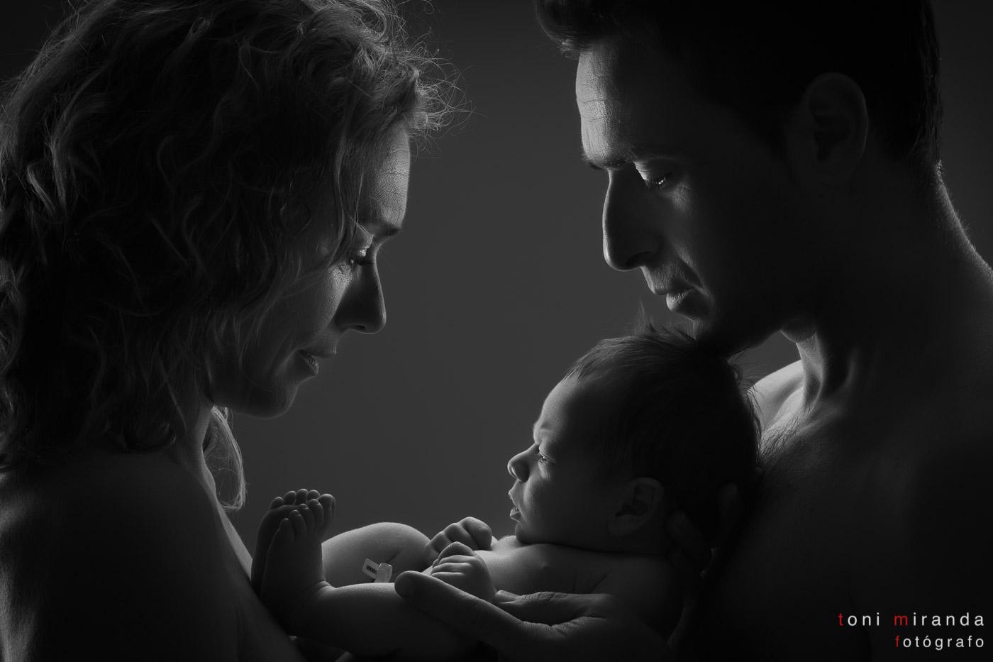 Padres con recién nacido en alcoy