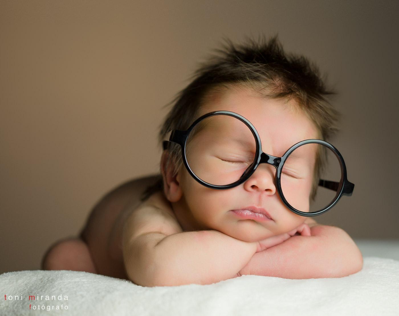 bebé revén nacido durmiendo