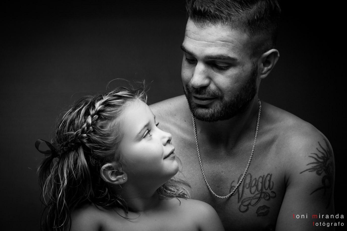 retrato de padre e hija en estudio de alcoy