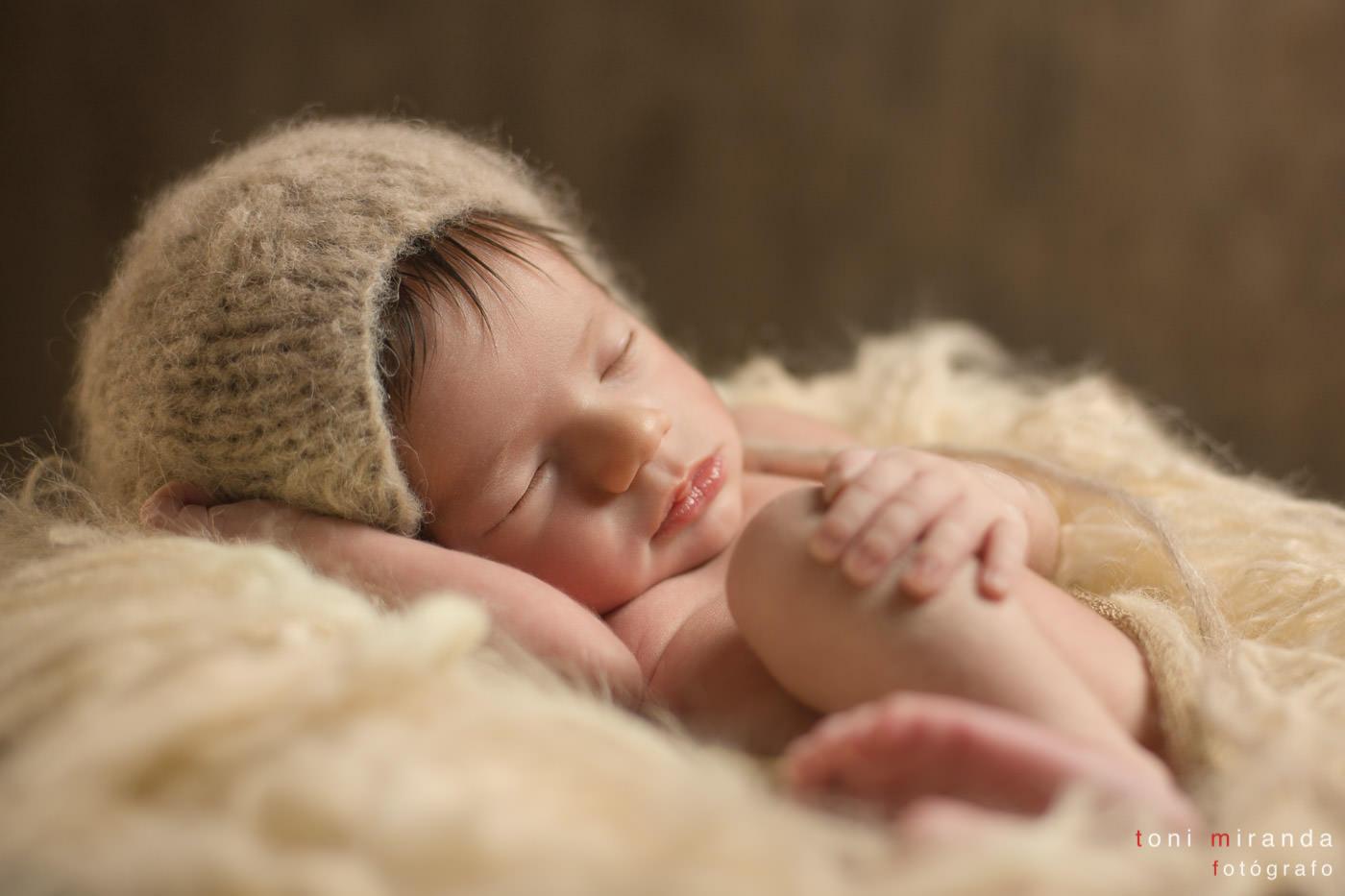 bebe recien nacido en su primera sesion de newborn