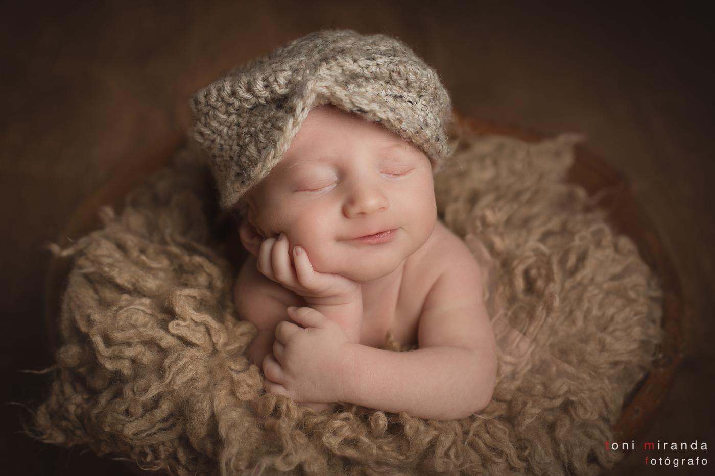 bebe durmiendo sonrisa