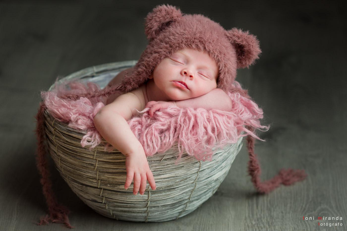 babe en cestita durmiendo