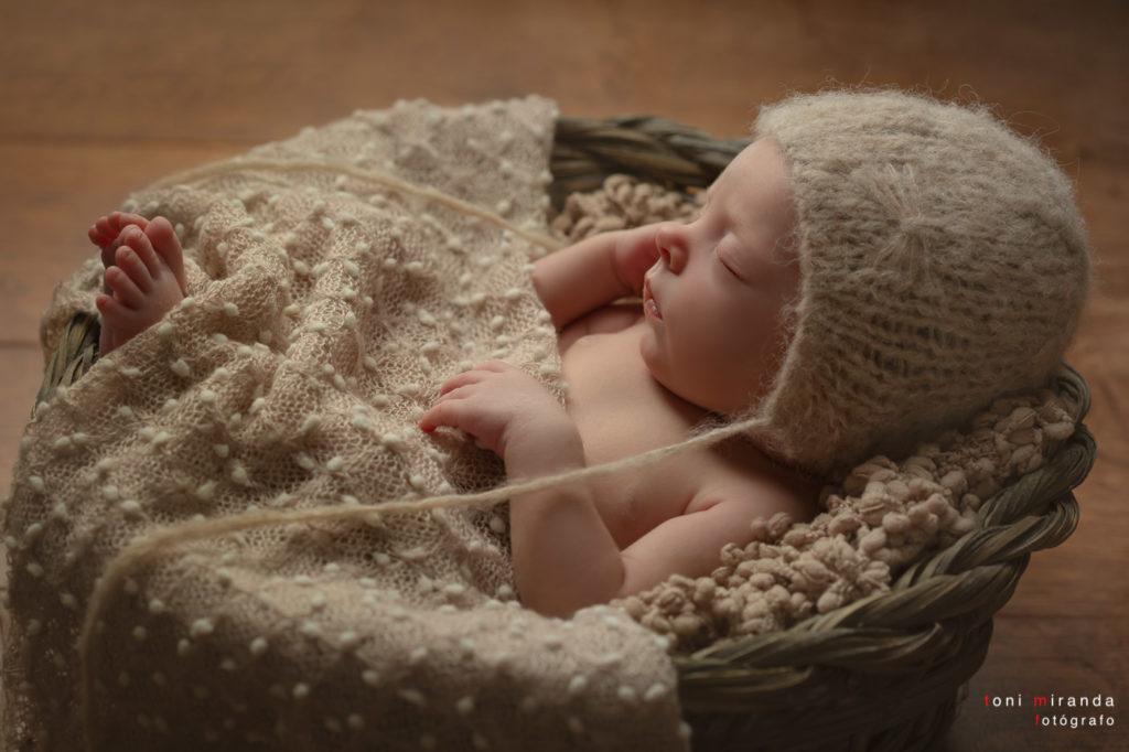 Fotografia de recien nacido con atrezzo especial