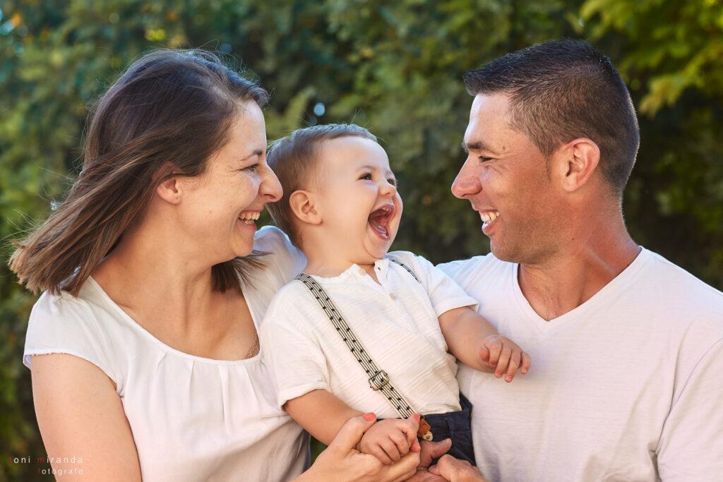 fotografia familia en exterior alcoy