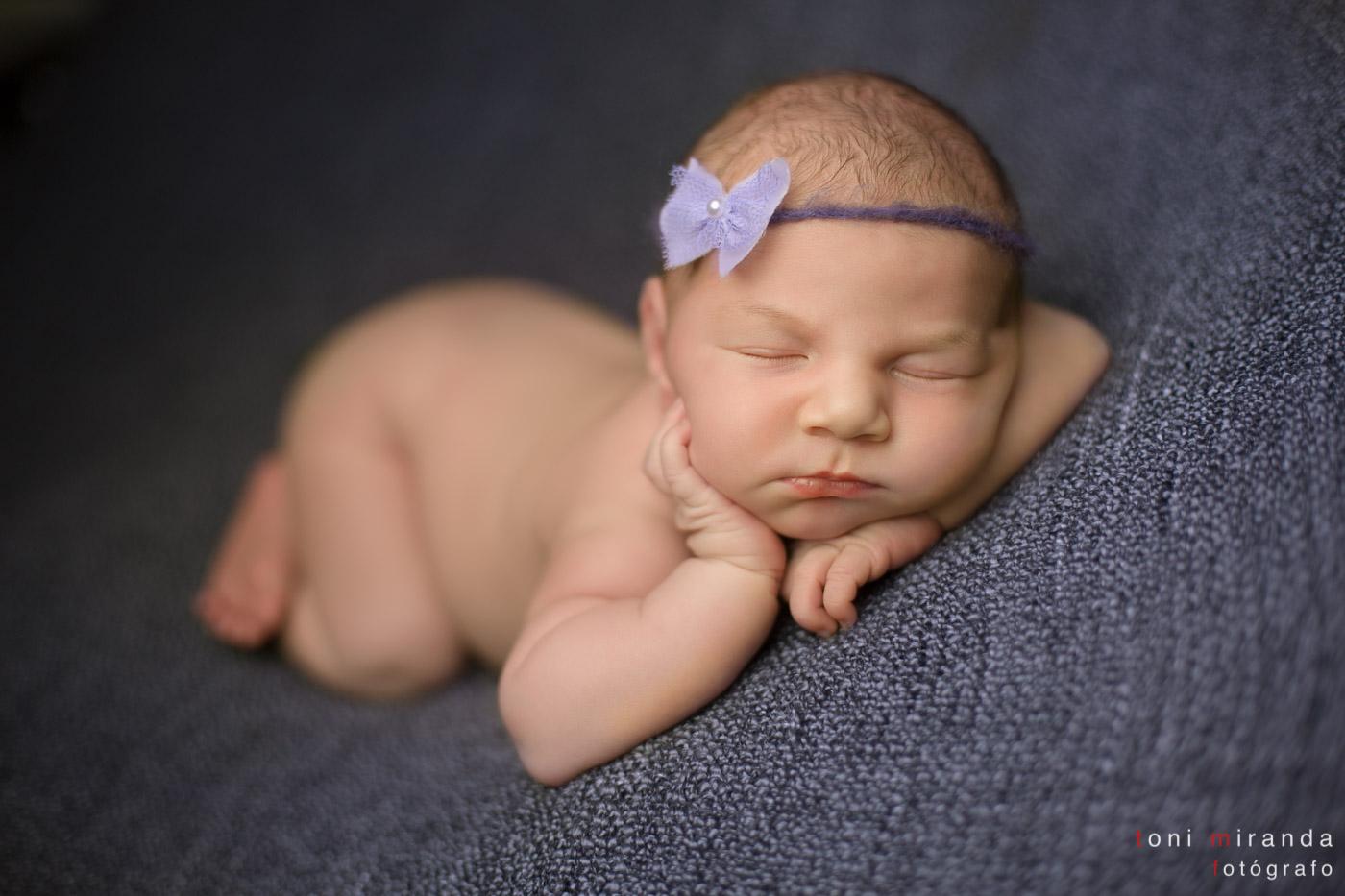 bebe recien nacida durmiendo