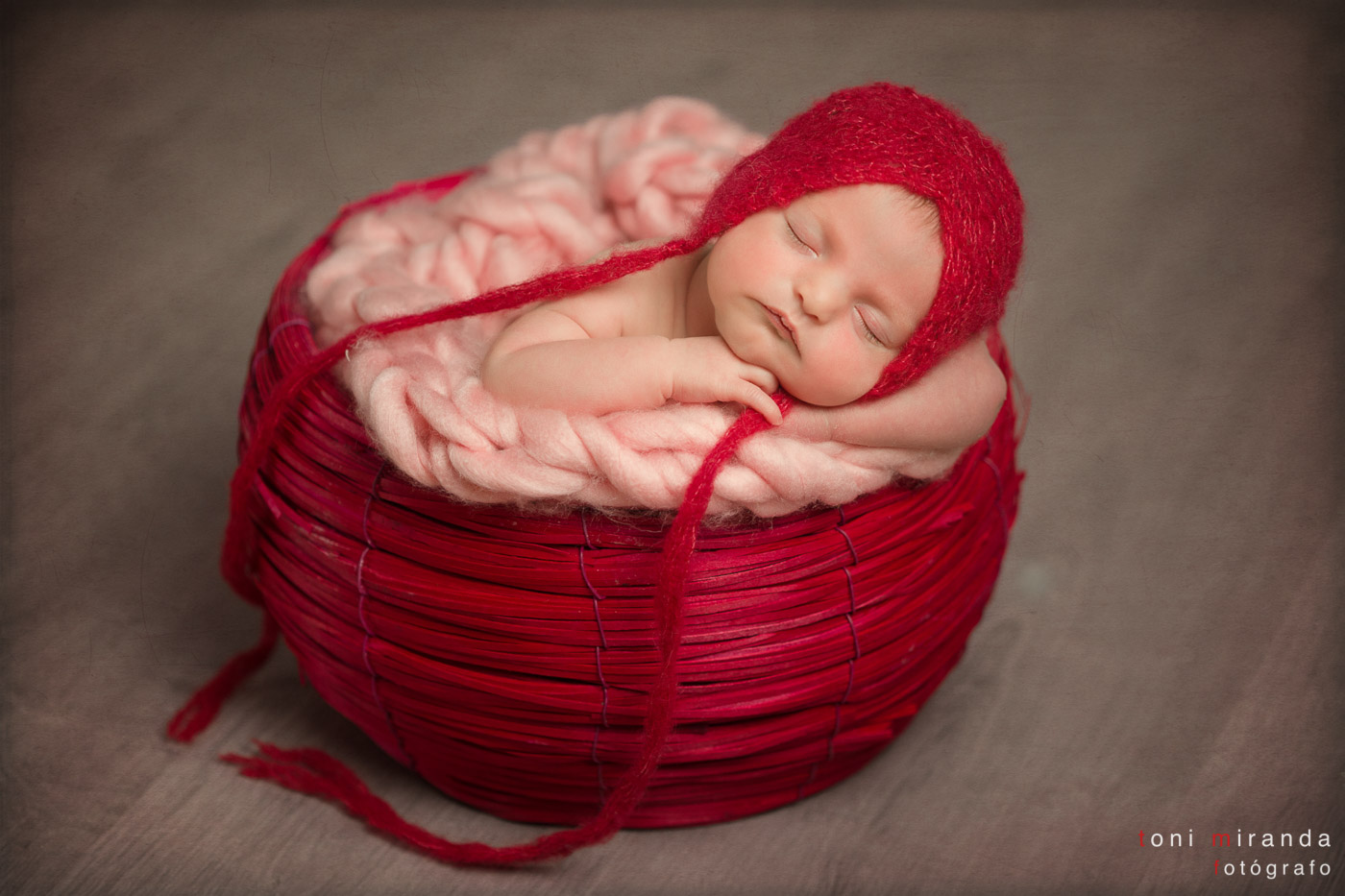 bebe reportaje de newborn en cesta