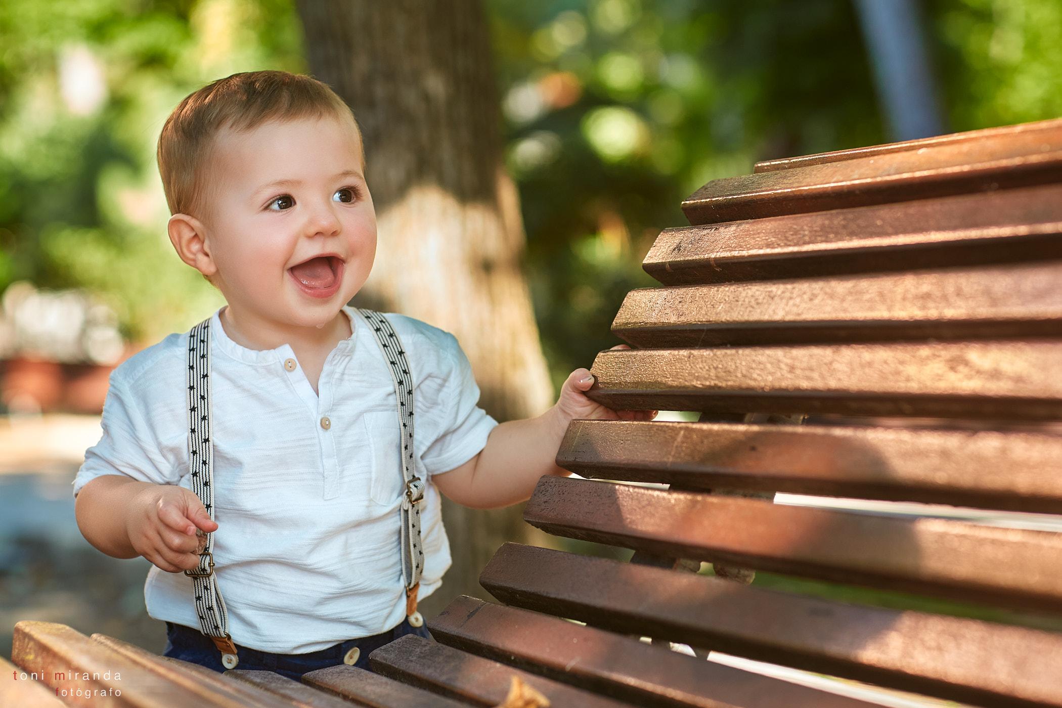 niño sonrisa en fotografia exterior